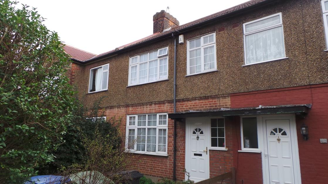 3 Bedrooms Terraced House for sale in  Lincoln Way, Enfield, London, EN1
