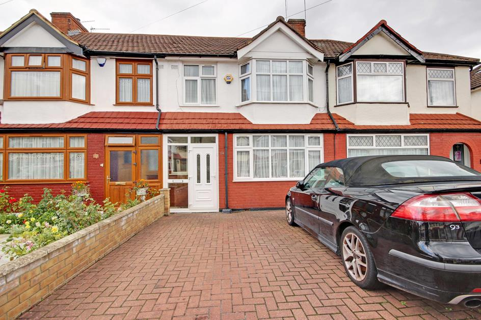 3 Bedrooms Terraced House for sale in  Orchardleigh Avenue, Enfield, London, EN3