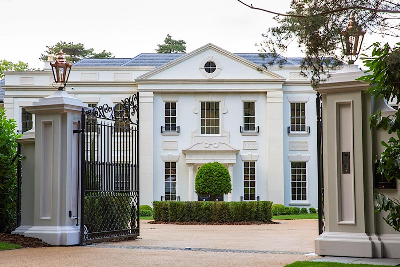 8 bedroom house for sale in st georges hill estate for Palladian home designs