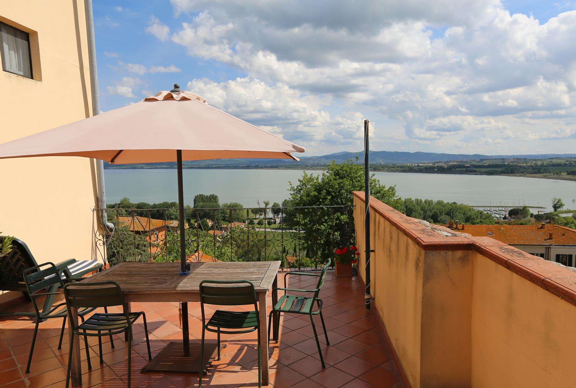 1 bedroom apartment for sale in Terrazza sul Lago, Perugia, Umbria ...