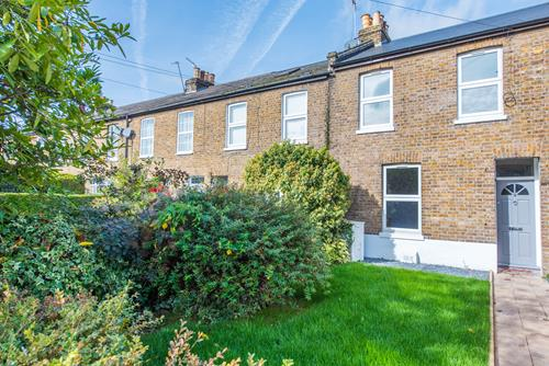 2 Bedroom House To Let In Southfield Cottages London W7